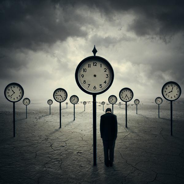 The Time Traveler Photo Manipulation